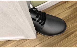 tehnica piciorului in usa