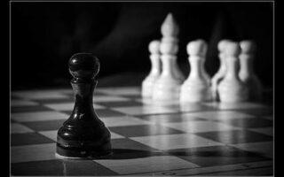 frica de a ramane singuri ne scade standardele relationale